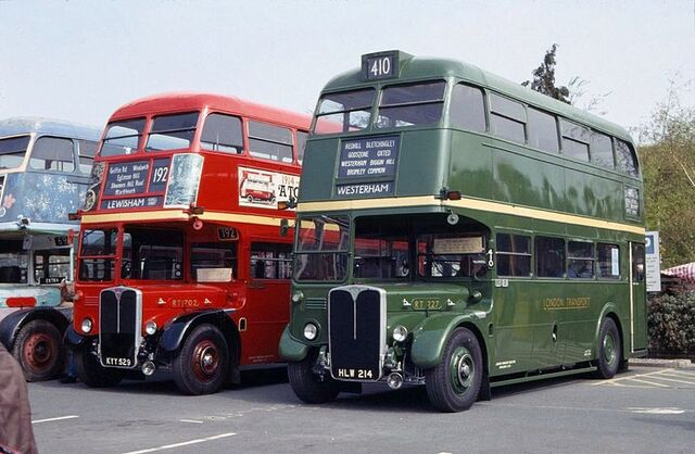 File:800px-Green and Red RT buses.jpg
