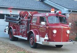 800px-Crossett Engine 13 - 1954 American LaFrance Type 700 Fire Engine