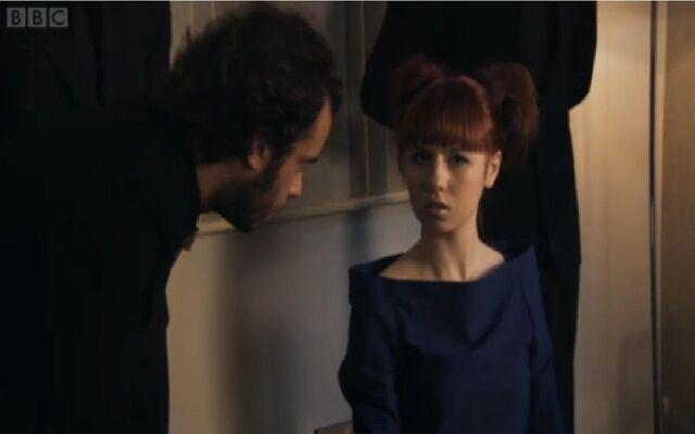 File:Love her hair.jpg
