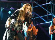 Miley Cyrus - Gypsy Heart Tour - São Paulo 05