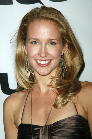 File:Anna Camp.png