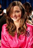 Miranda-kerr-2011-victoria-s-secret-fashion-show-05