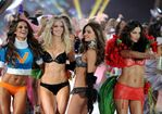 2012-Victoria-Secret-Fashion-Show-17
