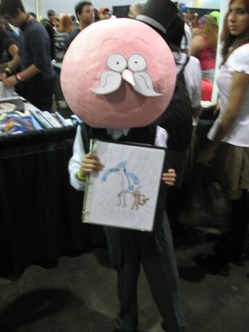 File:Cosplay-pop-from-regular-show1-450x600.jpg