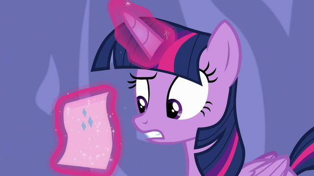 File:Twilight Sparkle reads Rarity's note S6E22.png