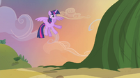 Twilight flying S4E11