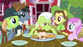 Granny Smith serves food to Sweet Apple Admirers S7E14.png