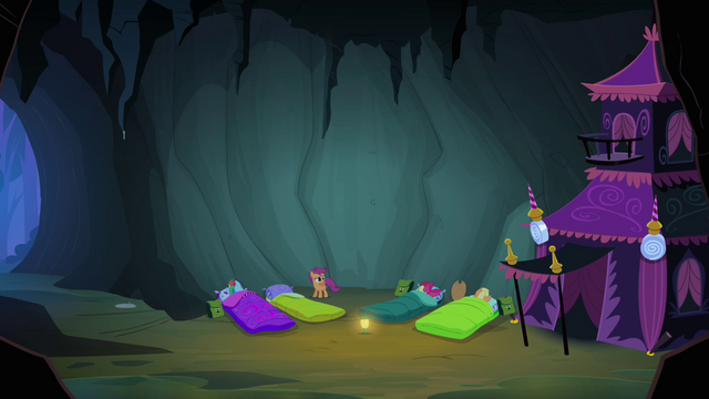 File:Scootaloo sees the others asleep S3E06.png