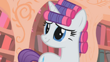 Rarity with hair curlers S1E8