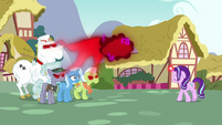Starlight extracts anger from infected ponies S7E2