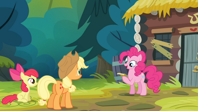 File:Pinkie Pie reading the note S4E09.png