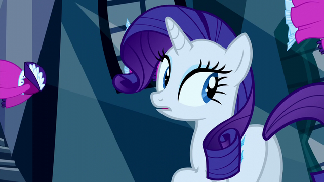 File:Rarity looks behind her S5E13.png