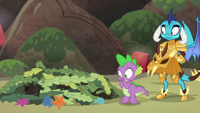 File:Spike watches the seaweed pile collapse S6E5.png