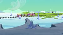 Friendship Express chugs toward Crystal Empire S6E1