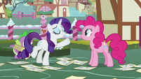 "Rarity ""iconic fashion photographer Photo Finish"" S7E9"