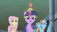 Twilight, Fluttershy, and Rainbow Dash shocked S1E2