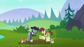 Hooffield and McColt ponies farming together S5E23.png