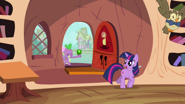 File:Spike, Twilight, and Owlowiscious S03E11.png