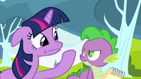 Twilight hushes Spike S2E22