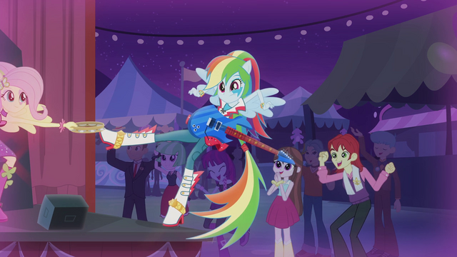 File:Fluttershy catches Rainbow with her tambourine EG2.png
