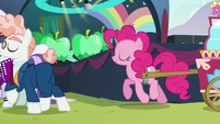 Pinkie follows Svengallop and Coloratura S5E24