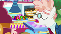 Svengallop looks at a selection of crystals from the Crystal Empire S5E24.png