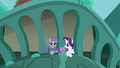 "Maud ""Especially the glaciation of the sloping strata"" S6E3.png"