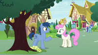 Noteworthy and Twinkleshine talking together S7E15