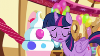 Twilight puts her head onto a trapdoor opener S5E11