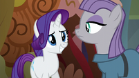 Rarity smiling awkwardly at Maud S6E3