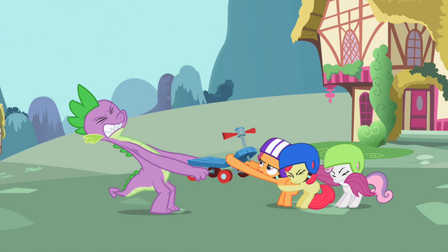 File:Spike tries to take the scooter from the CMC S2E10.png