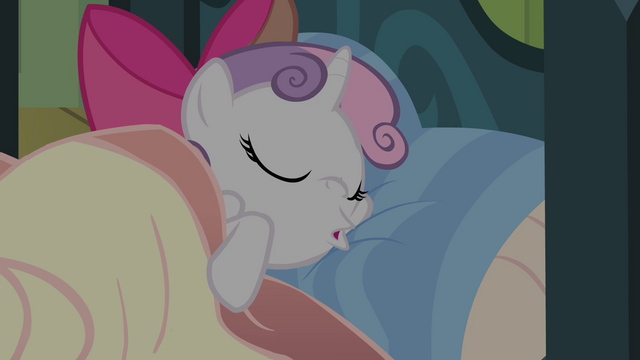 File:Sweetie Belle snoring S4E17.png