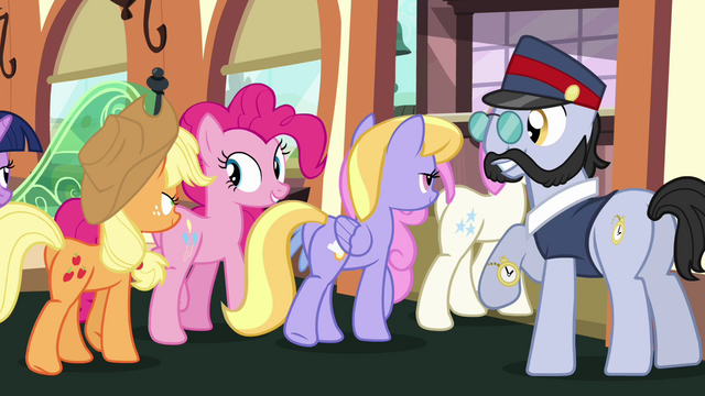 File:Ponies getting off the train S03E11.png