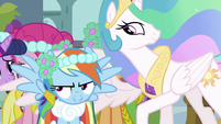 Rainbow Dash about to fly S2E26