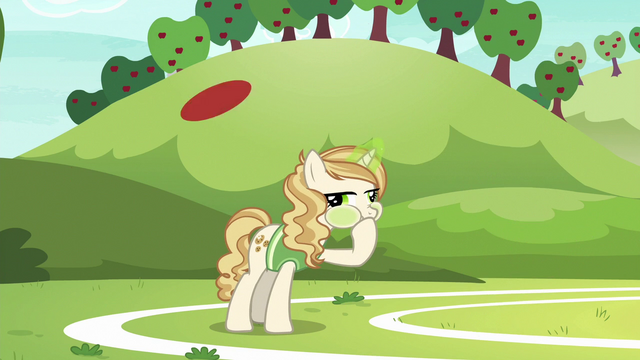 File:Sweet Biscuit feeling sick as ball flies over her head S6E18.png
