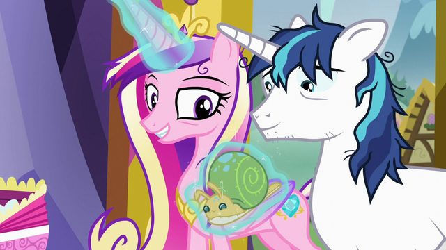 File:Princess Cadance levitating stuffed Whammy toy S7E3.png