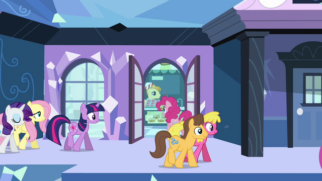 File:Caramel and Cherry Berry at Empire station S03E12.png