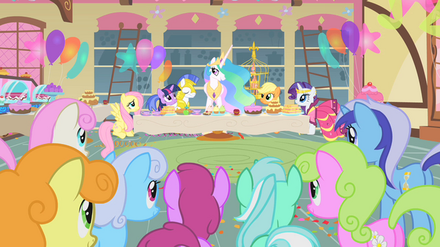 File:Celestia thanking everyone for the meal S1E22.png