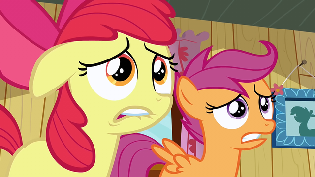 File:Scootaloo & Apple Bloom freak out S2E17.png