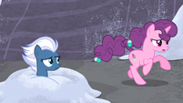 Sugar Belle gallops past Night Glider S5E2