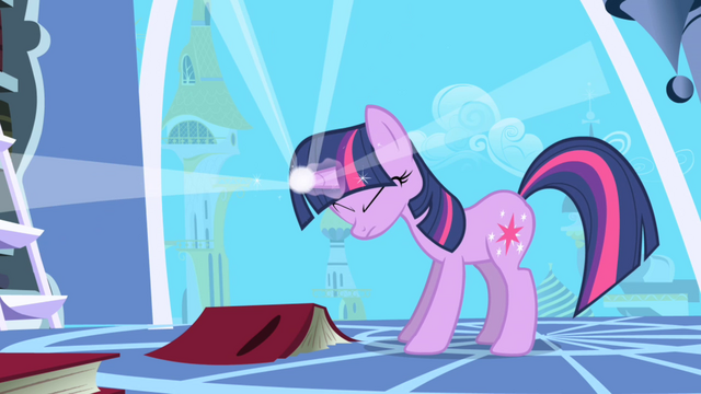 File:Twilight Sparkle using her magic S01E01.png