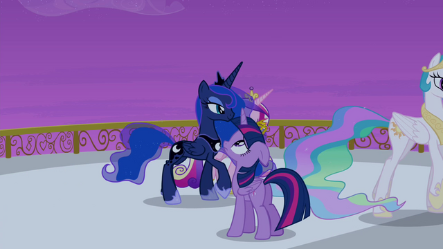 File:Twilight looking up at the sky S4E25.png