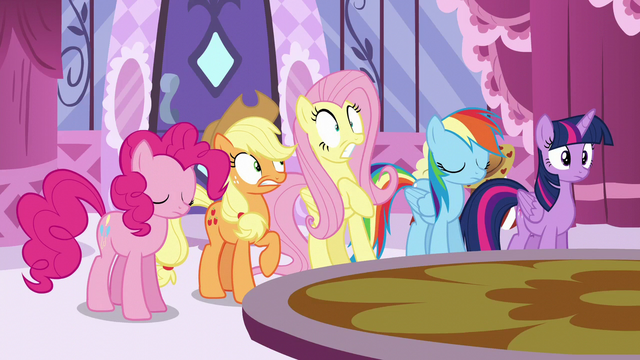 File:Fluttershy looking scared S6E9.png