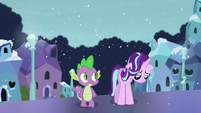 Spike sees Starlight feeling down S6E2
