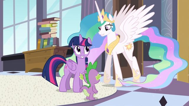 File:Twilight smiling S4E01.jpg