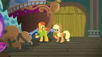 Applejack talking to the stage manager S6E20