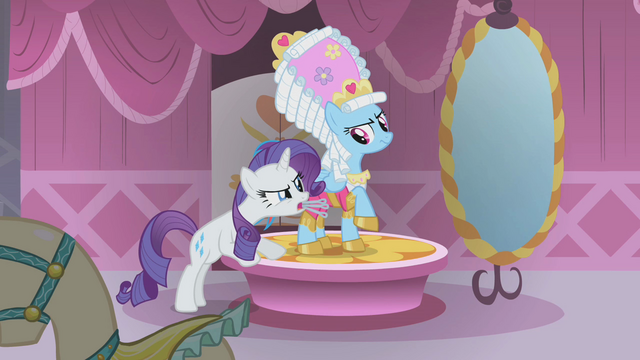 File:Rarity telling Rainbow Dash to stand still S1E10.png