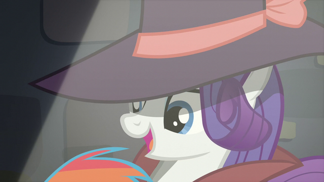 File:Rarity tells Rainbow to call down S5E15.png