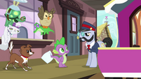 Spike, the pets, and All Aboard S03E11