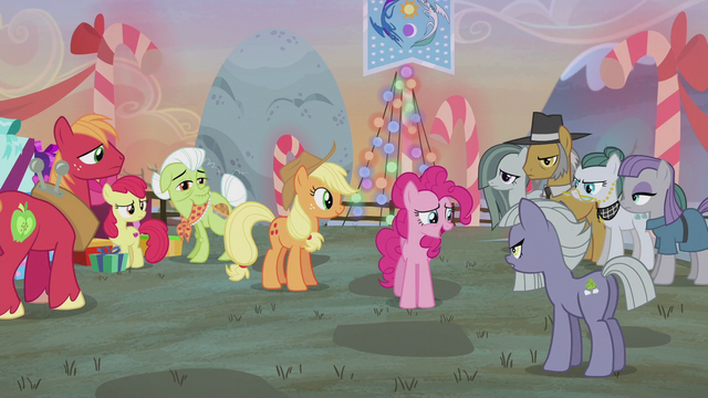 File:Tension brews between the Apples and Pies S5E20.png